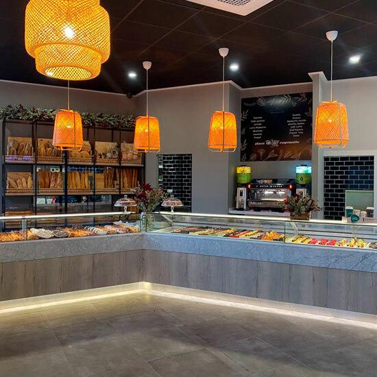 Decoracion-pasteleria-delicias-de-gala-alicante-decorfret-montaje-de-tiendas-11
