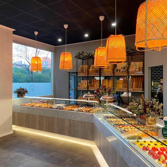 Decoracion-pasteleria-delicias-de-gala-alicante-decorfret-montaje-de-tiendas-13